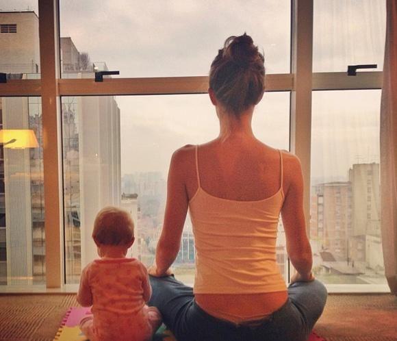 Gisele Bündchen hace meditación con su hija, Vivian