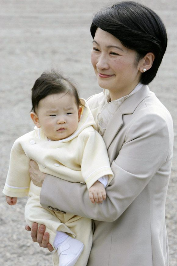 hisahito-mother-a.jpg (580×872)