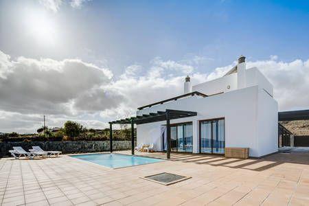 Kolla in det här härliga boendet på Airbnb: Casa Em - Modern Villa i Villaverde