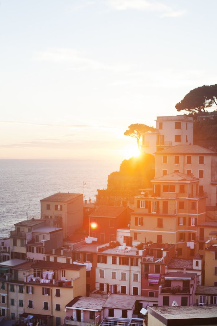 POSTCARDS FROM ITALY: http://makingmagique.com/travel/postcards-from-italy/