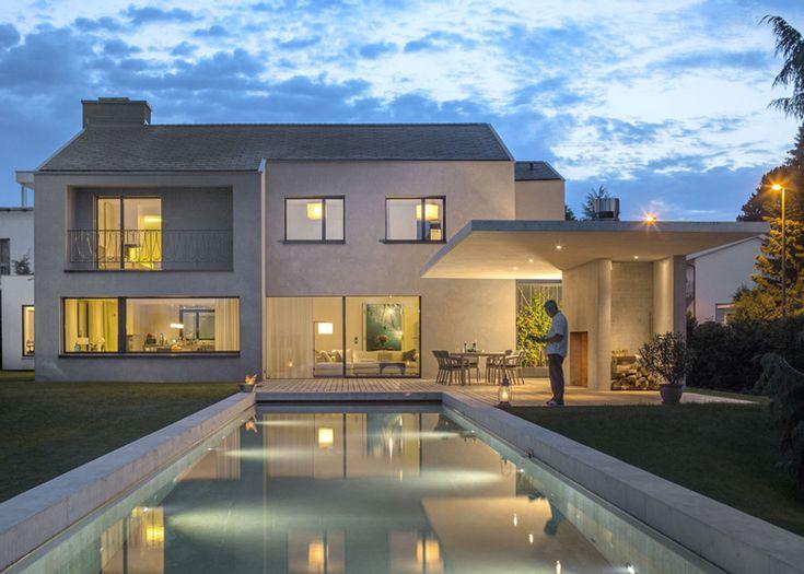 Awesome Prachtige Architecturaal Lijnenspel Waarbij Het Zwembad Een Fraaie  Verlenging Lijkt Van De Binnenruimte. #inspiratie