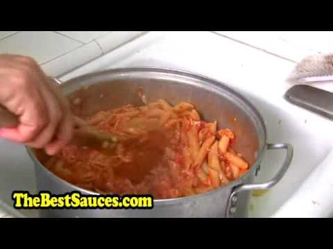 VIDEO: He Dumps A Bucket Of Cheese Into A Pot Full Of Pasta. Then He Mixed It Violently. The Result? DROOL! - American Overlook Mobile