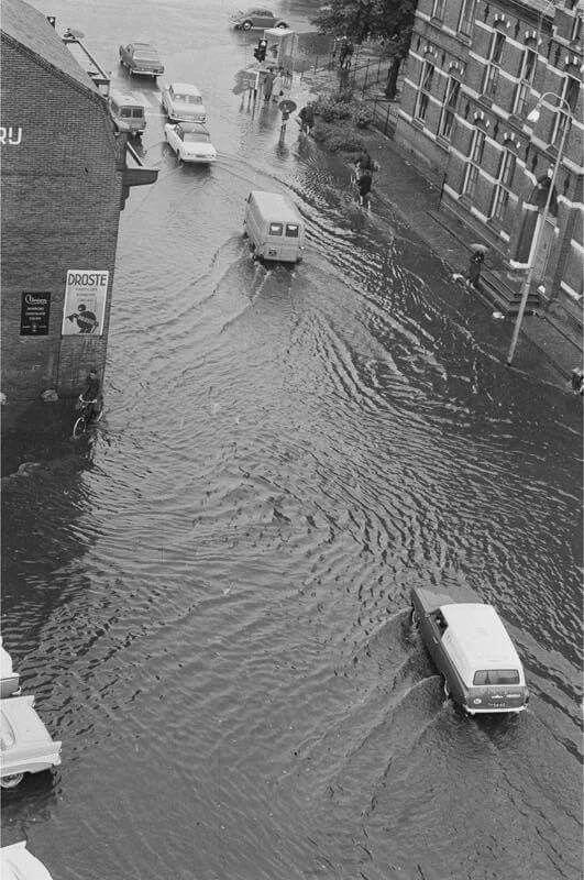 Water overlast thiemsbrug 60 70e jaren