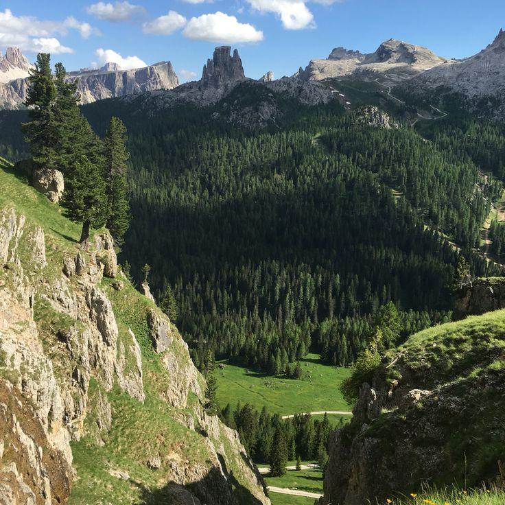 Cortina d'estate è insuperabile cosa aspettate per venire a trascorrere una vacanza all'hotel Olimpia di Cortina d'Ampezzo. #hotelolimpiacortina #mycortina  http://www.hotelolimpiacortina.com