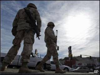 Militares mexicanos na cidade de Tijuana