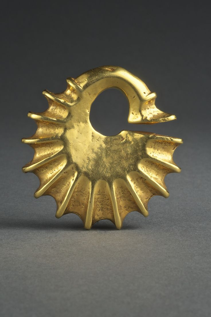 Earring gold Made in Sumba, Indonesia Culture: Sumba