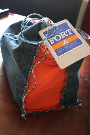 Homemade Fort Kit | 31 Cheap And Easy Last-Minute DIY Gifts They'll Actually Want I don't for who but this is awesome!