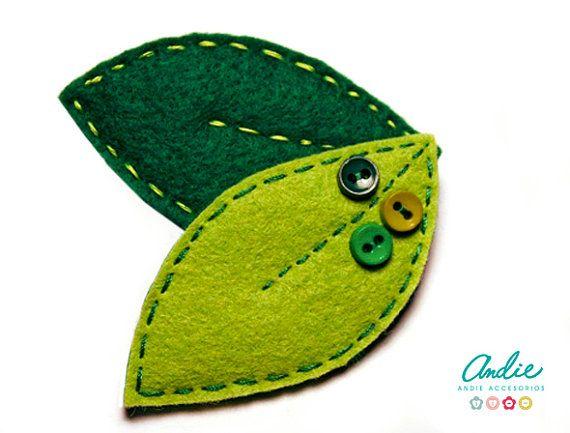 Broche de hojas de fieltro - Hojas verdes de fieltro - Broche de fieltro y botones - Broche para el otoño