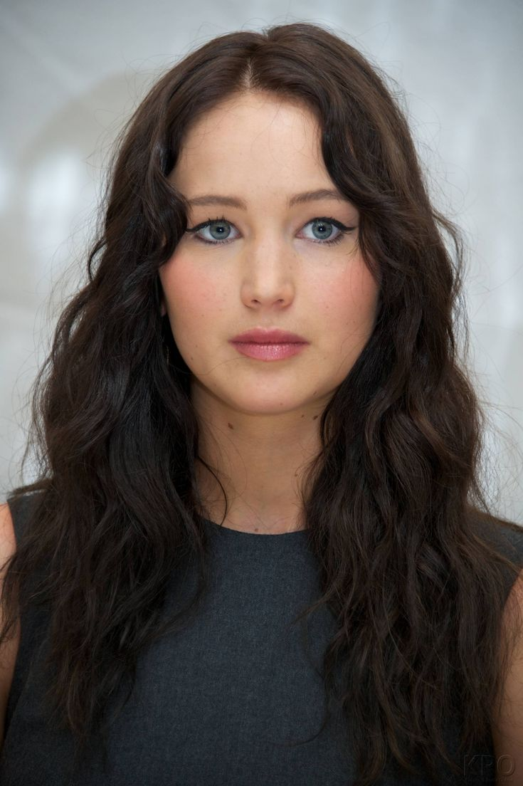 Jennifer Lawrence as Anastasia Steele http://fiftyshadesofgreyfanclub.com/jennifer-lawrence-and-nicholas-hoult-in-fifty-shades-of-grey-the-movie/