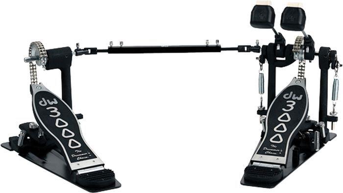 DW 3000 double pedal.