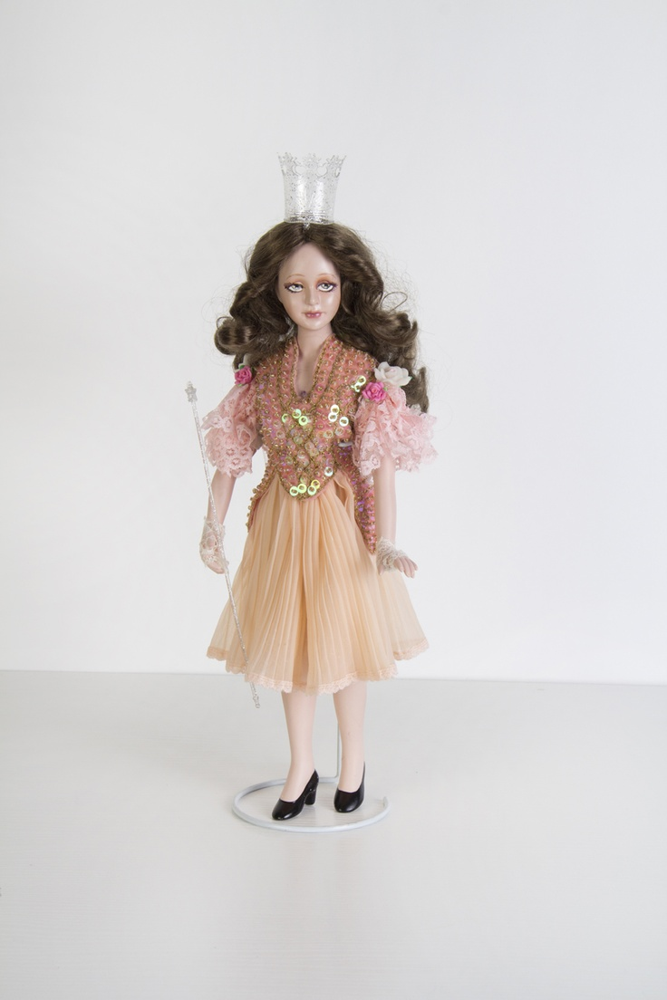 Glinda the Good Witch - an original art porcelain doll by sinestro (SK ART DOLLS).