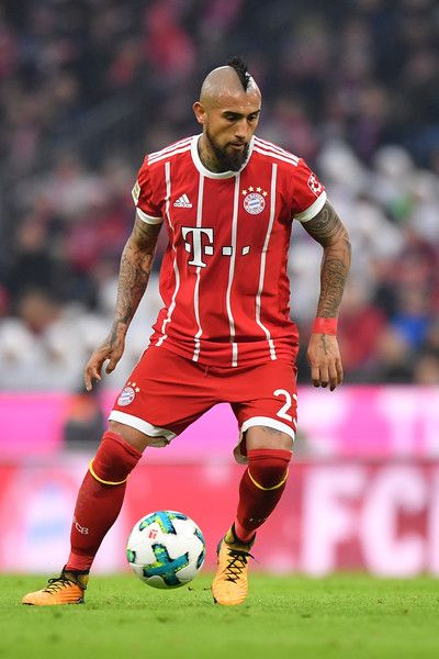 Arturo Vidal of FC Bayern Muenchen plays the ball during the Bundesliga match between FC Bayern Muenchen and FC Augsburg at Allianz Arena on November 18, 2017 in Munich, Germany. - 151 of 241