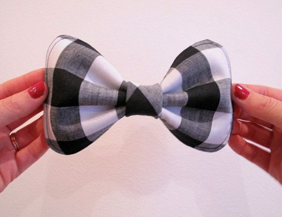 Big Dolly Bow // Black and White Check Hair Bow by hellobettybow