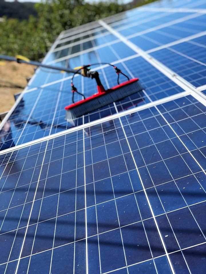 Advanced Solar Cleaning Is The Best Solar Panel Cleaning Companies In San Diego Our Cleaners Em 2020 Energia Solar Residencial Painel Solar Painel Solar Fotovoltaico