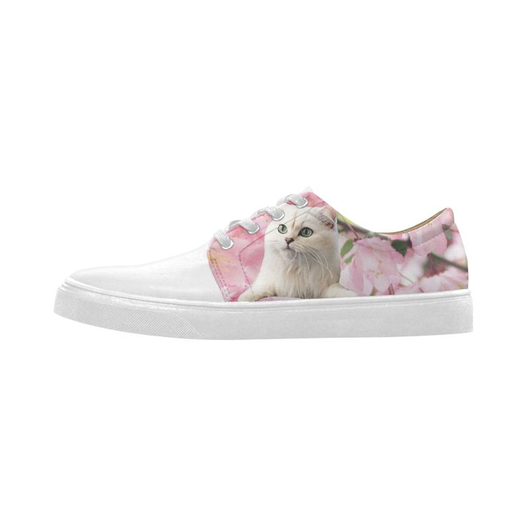Cat and Flowers Cygnus Pointed Toe Women