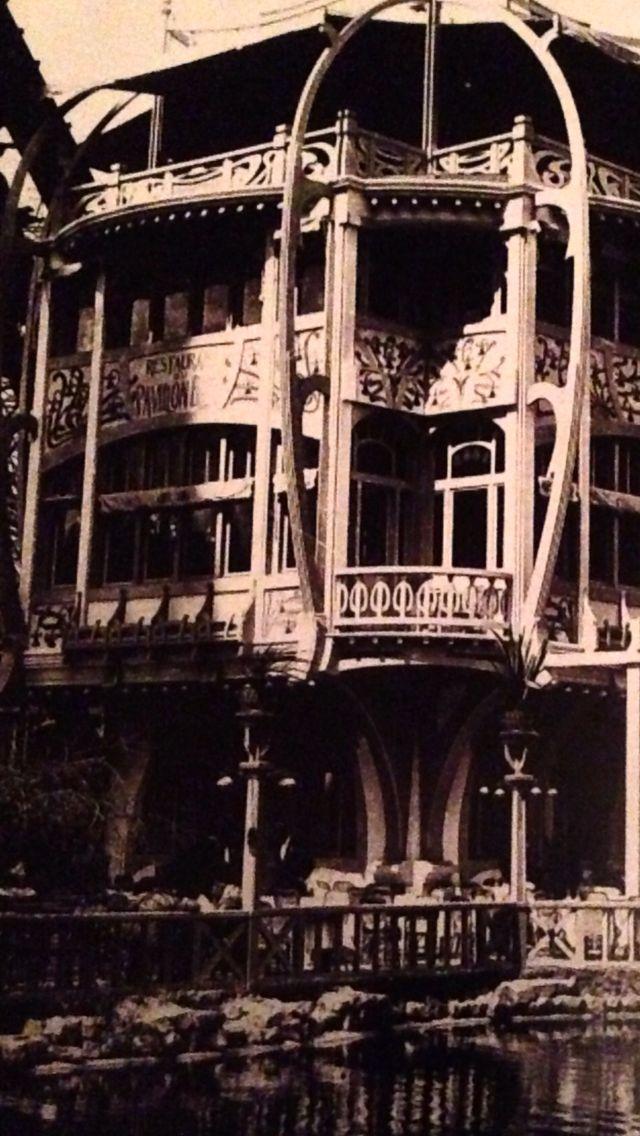 Pavillon Bleu Restaurant - Gustave Serrurier-Bovy - Paris, 1900. Photo - Roger Viollet,Paris Art Nouveau