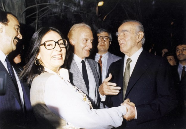 Nana with Konstantinos Karamanlis after her concert in Athens in 1984