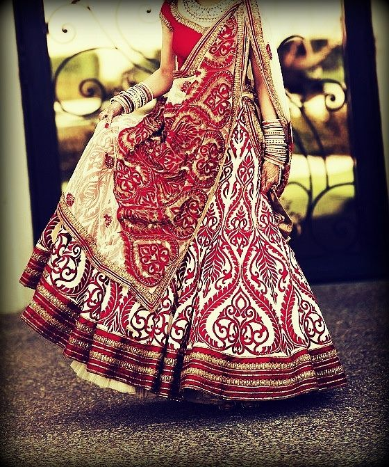 Love the work on this!! How adding a touch of white makes the red lehenga look supremely elegant. #indian #bridal http://blackbookfortheindianbride.com/10-gorgeous-ideas-for-red-wedding-lehengas/