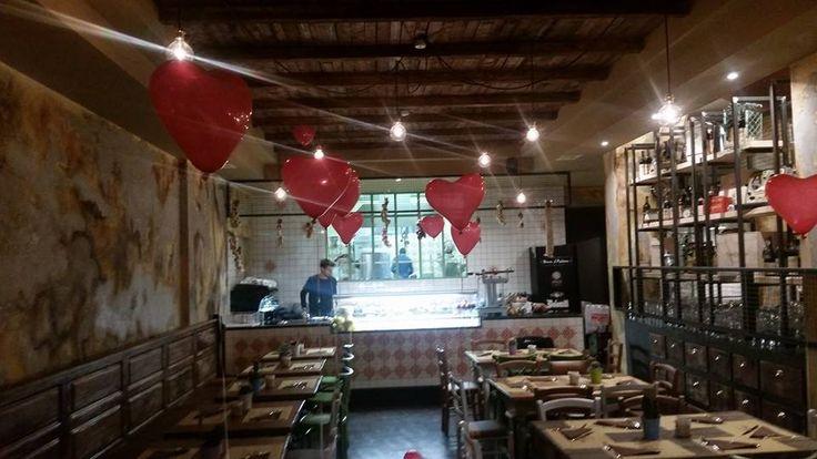 """www.mobilificiomaieron.it - https://www.facebook.com/pages/Arredamenti-Pub-Pizzerie-Ristoranti-Maieron/263620513820232 - 0433775330 Allestimento Completo Arredamento pizzeria ristorante """"Pane e Trita"""" a Seregno. Sedie venezia cod 3011/P colori Vari, Tavoli a base centrale e diversi lavori su misura . #arredamentopub #arredamentopizzeria arredamentoristorante #sedietavoli #tavoliesedie #sedieristorante #tavoliristorante"""
