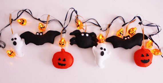 Spooky! These fairy lights are a perfect Halloween decor featuring a bat, spider, pumpkin and ghost with pumpkin LED lights.    The lights are