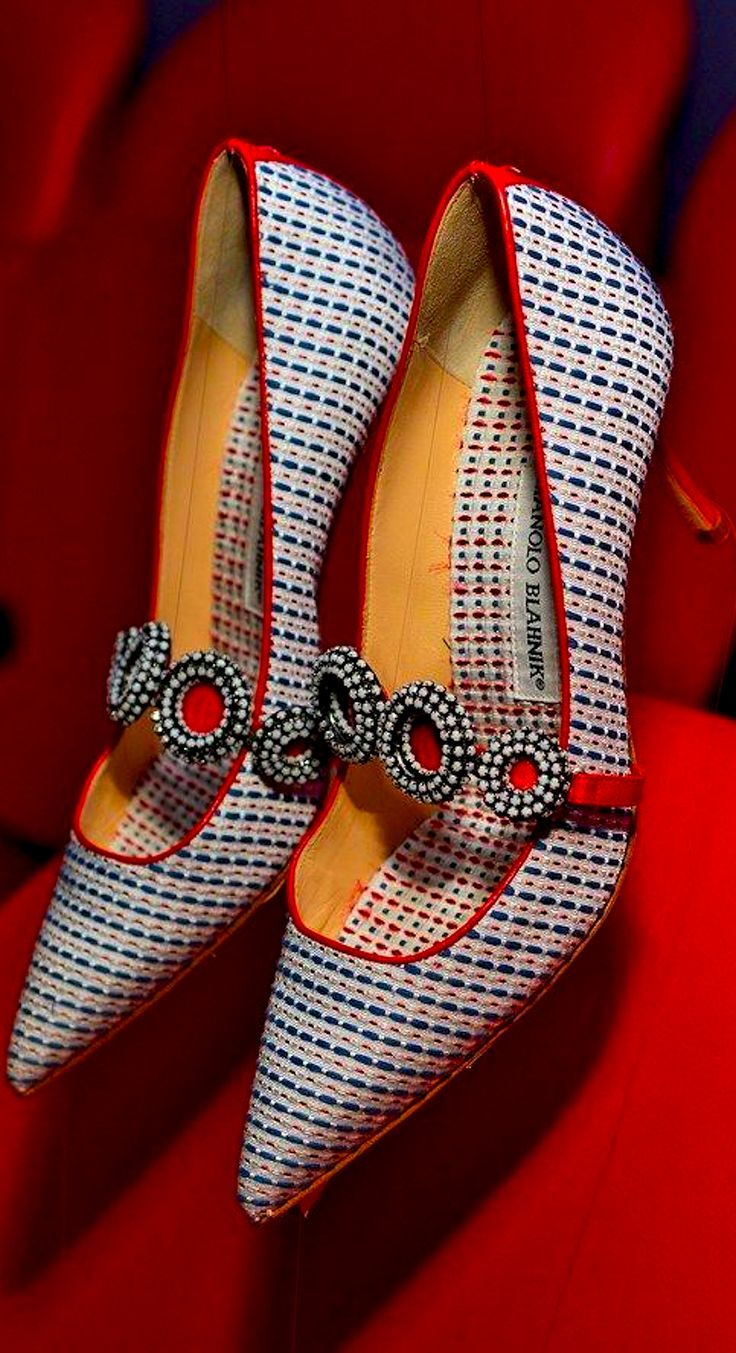Manolo Blahnik mary jane kitten heel pointy preppy plaid red, white and blue pumps