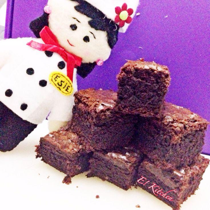 Homemade Fudgy Brownies  It's so me! #ekitchen #madebyme #funbaking #comingsoon