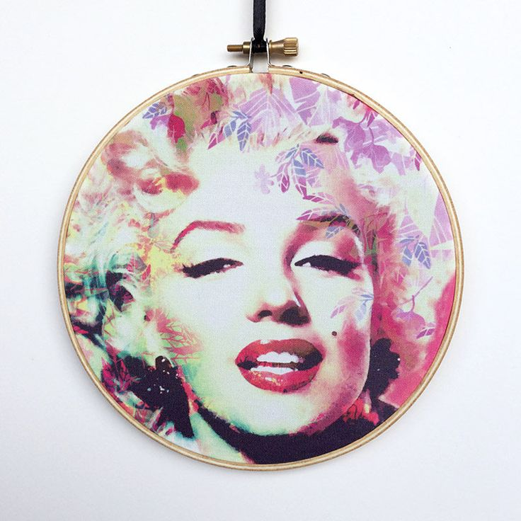 Marilyn Monroe Hoop Art, Marilyn Wall Art, Marilyn Artwork, Hollywood Wall Art, Embroidery Hoop Art, Embroidery Hoop Decor, Hanging Wall Art by RegalosOnline on Etsy