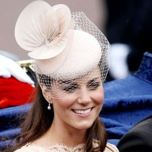 Designer de chapéus favorito de Kate Middleton Jane Taylor lança nova loja on-line