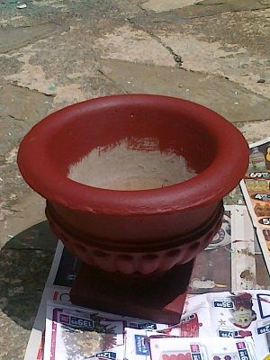How to paint concrete or cement pots pots by my front door...... Fireball red- according to my son!