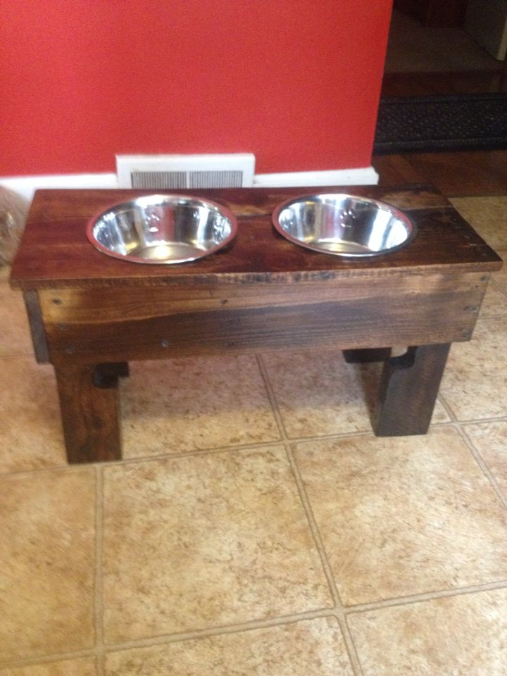 Raised Dog Feeder Made From Pallet Completed Pallet