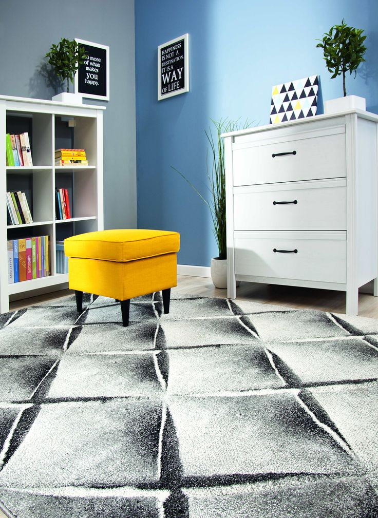 Urządzaj wnętrza według własnych wizji #wnętrza #interior #obipolska #OBI #style #homestyle #homedesign #yellow #room #home #gray #carpet #material #inspiration