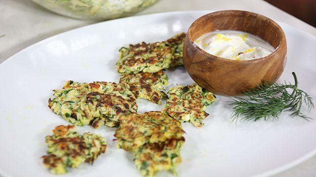 Healthy Party Snacks: Zucchini Fritters with Lemon-y Yogurt #Healthy #Recipe