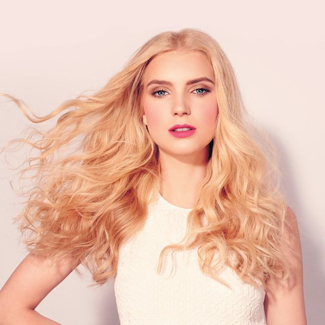 This NEW Curling Iron Gives You FOUR Different Curly Hairstyle Looks. See Photos HERE>>