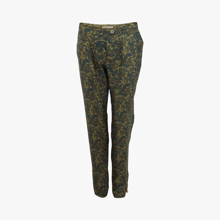 17 meilleures id es propos de v tements de camouflage pour femme sur pinterest v tements de Vetement tendance pantalon fashion style militaire