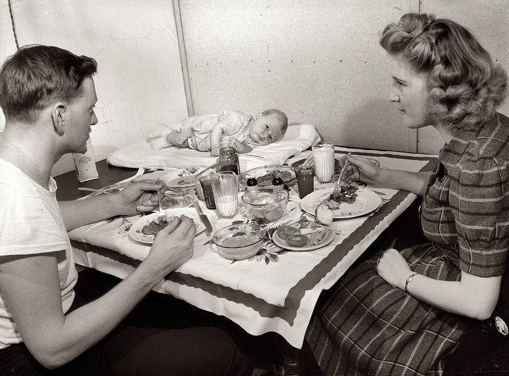 That baby on the table cracks me up. Shorpy Historical Photo Archive :: Babycakes: 1943