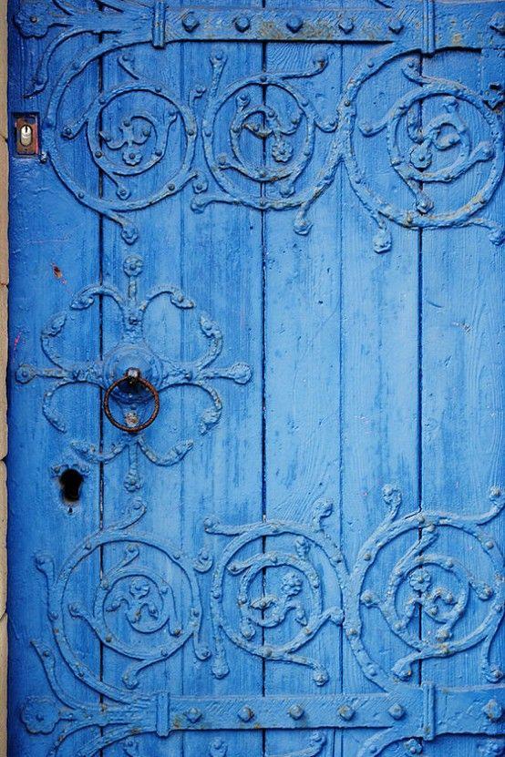 door.bluescroll