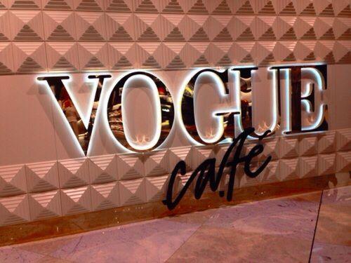Imagen de Dubai, vogue, and dubaimall