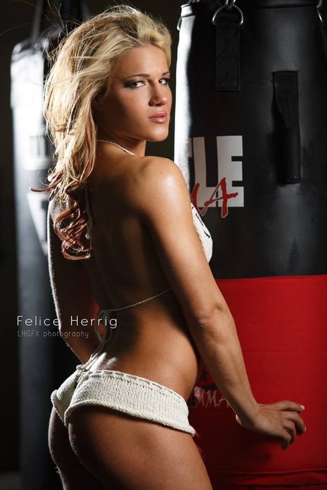 Female mma fighter felice herrig flashing ass 9