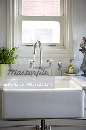 Stock photo of Kitchen Sink; Premium Royalty-Free, 600-02701248 © Michael Alberstat / Masterfile. All rights reserved.