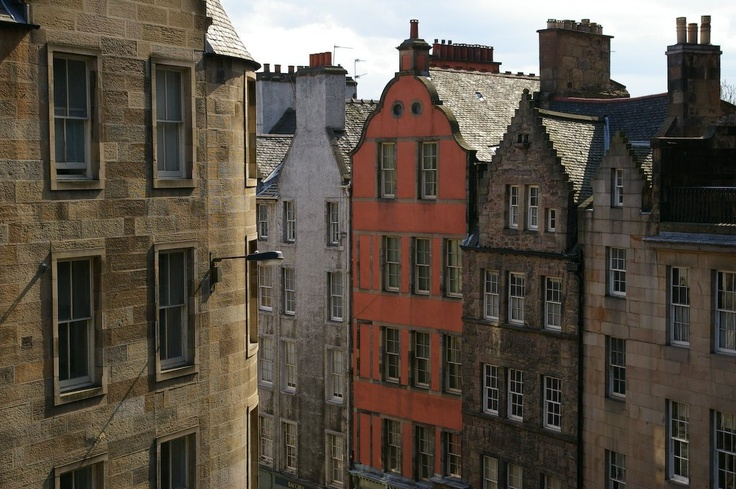 Edinburgh: Edinburgh Scotland, Travel Adventure, Favorite Places, Travel Places, Amazing Houses, Europe Travel, Brick Roads, European Travel, Photos Places