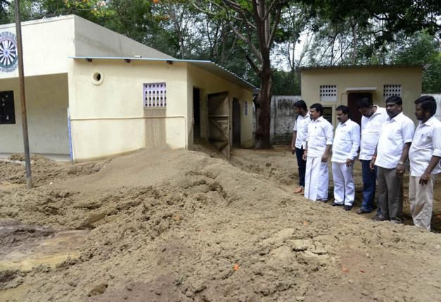 Oozing sand swamps school