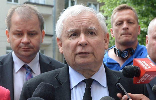 PO żąda od MSWiA wyjaśnień ws. lotu Kaczyńskiego policyjnym śmigłowcem. Jest oświadczenie resortu - Wiadomości - WP.PL