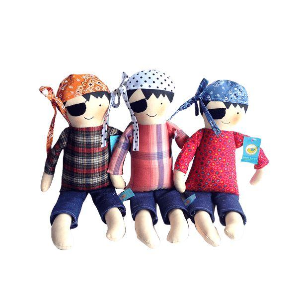 Piratas. Hermosos personajes elaborados en paño, puedes utilizarlos como muñecos decorativos en la habitación de tu peque.