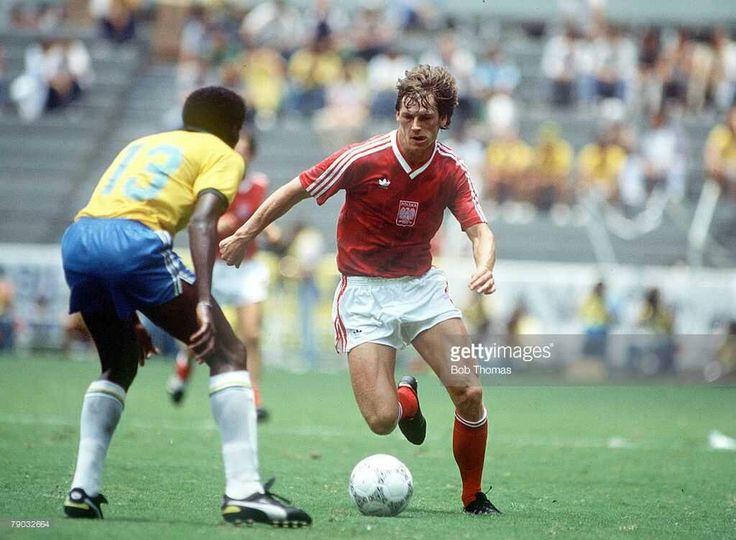World Cup Finals, Second Phase, Guadalajara, Mexico, 16th June, 1986, Brazil 4 v Poland 0, Brazil's Josimar faces Poland's Jan Urban