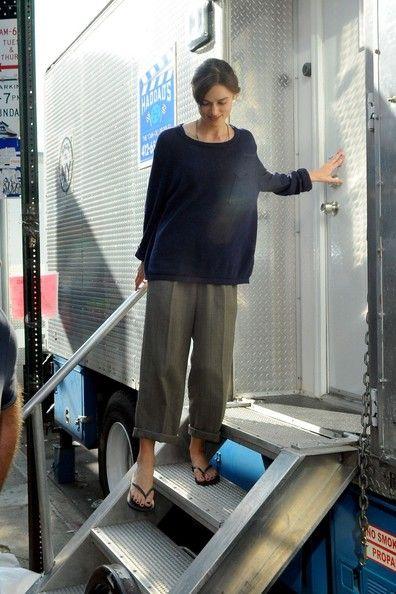 Keira Knightley - Keira Knightley Looks Casual on Set