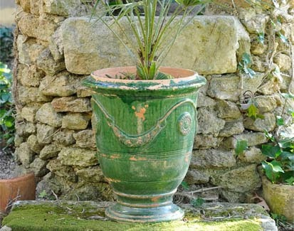 The French vase d'anduze originated in Provence in the 16th century.