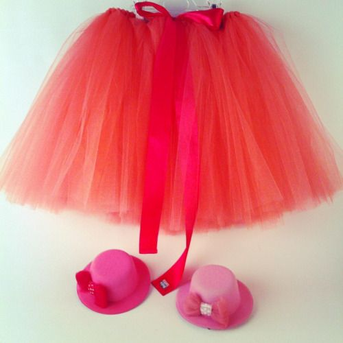 Some say that Tutu skirt goes well with mini hats 😄 #tutu #tutuskirt #tulle #minihat #sewingforkids #handmadewithlove #musthave #musthaves #birthdaygift #handmadegifts #giftideas #giftsforkids #etsy #etsyseller #etsyshop #royalhat #elegance #partyhat...