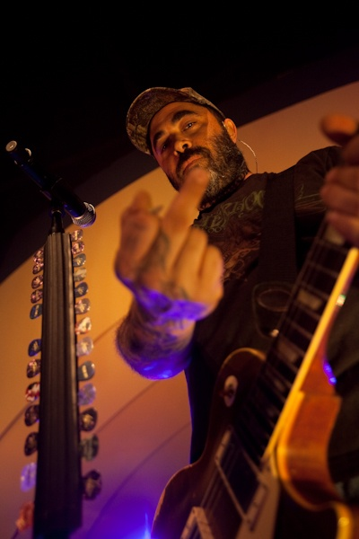 Aaron Lewis of Staind giving us his Johnny Cash impression 12/10/11