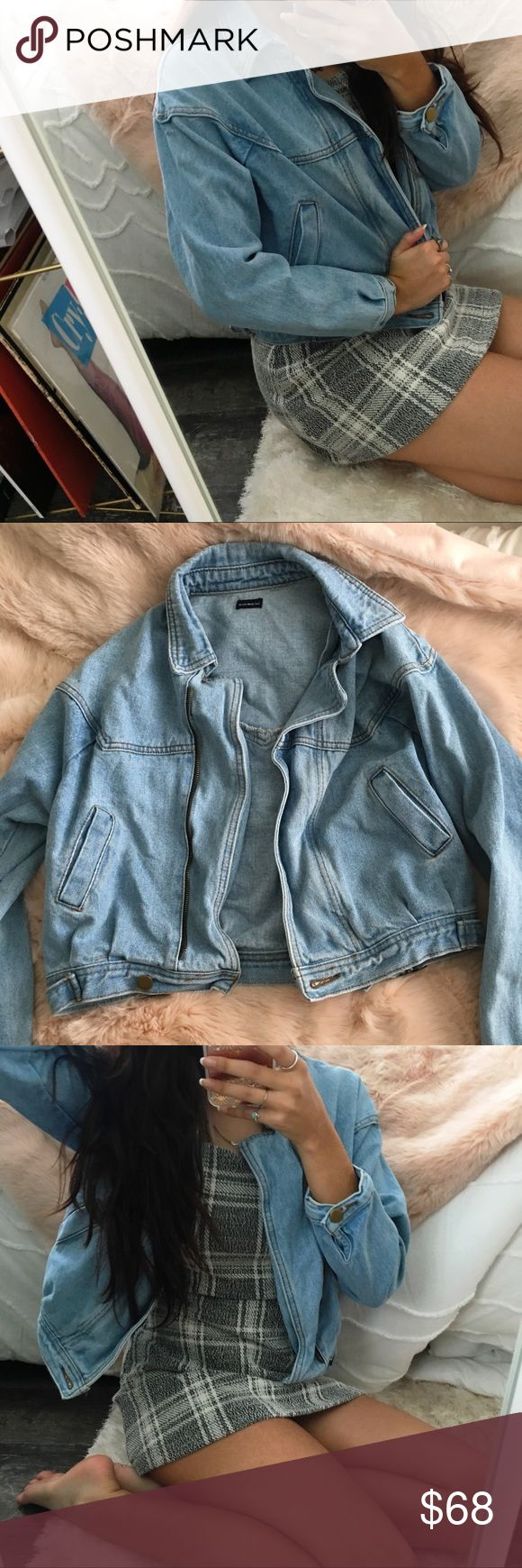 Brandy Melville Isabelle Denim Jacket Brandy Melville Isabelle Denim Jacket light blue jean wash, zipper in the front In perfect condition, only worn once or twice, One Size  No longer available at brandy stores or online! Brandy Melville Jackets & Coats Jean Jackets