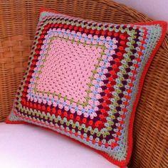 crochet-cushion-cover-free-pattern